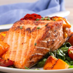 Grilled Salmon with Tomato